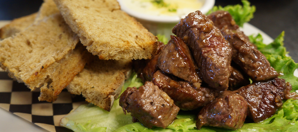 Amazing and Flavorful Steak Bites with Fondue